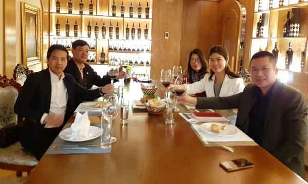 Chủ-hầm-rượu-lớn-nhất-Hà-Nội